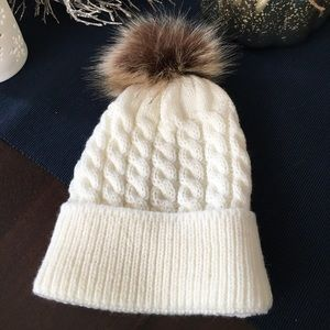 Absolutely adorable knit hat for Baby